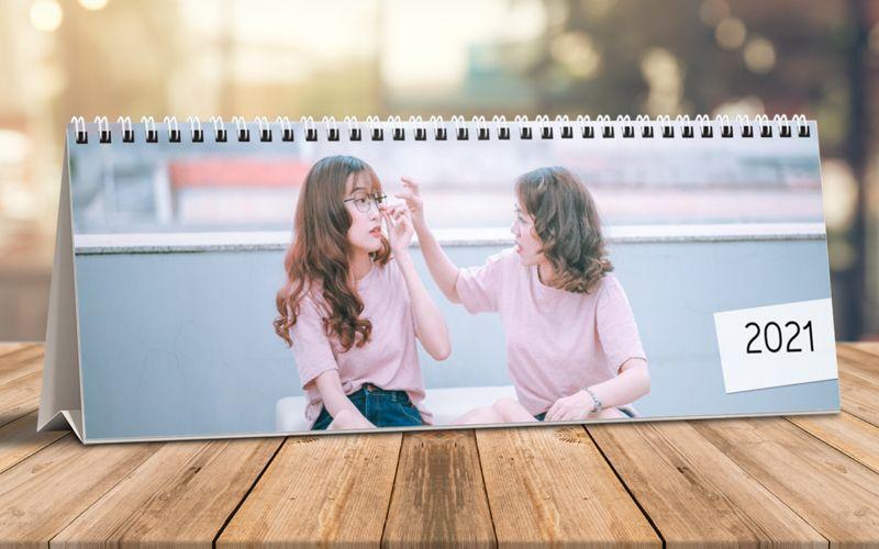 Calendario Da Tavolo Orizzontale Foto Piena