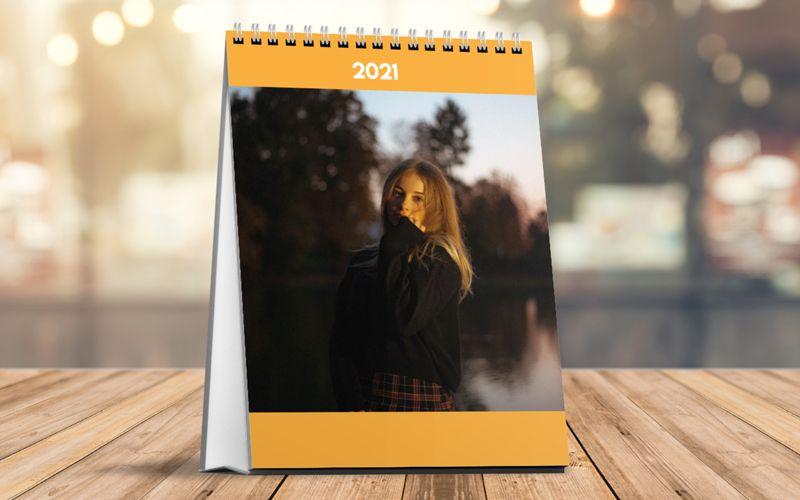 Calendario Da Tavolo Verticale Arancione